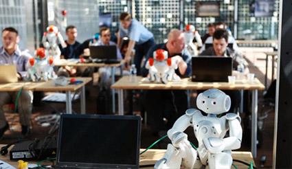 NAO روبات انسان نما نسخه آکادمیک
