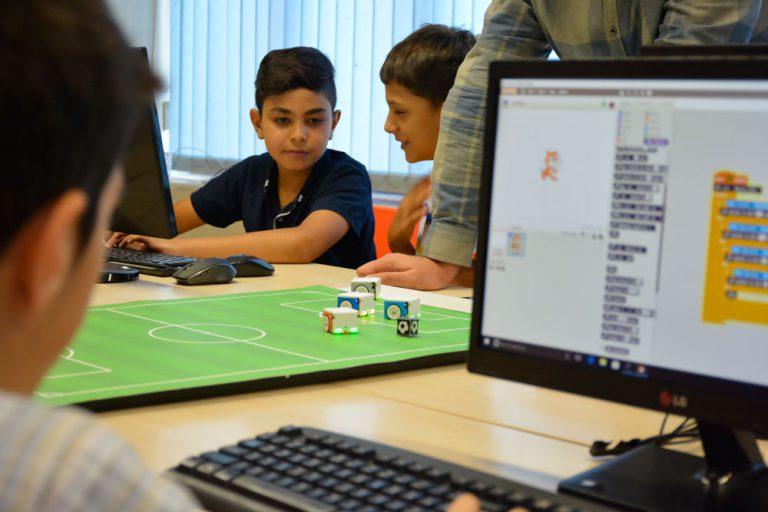 کلاس رباتیک و آموزش برنامه نویسی با اسکرچ